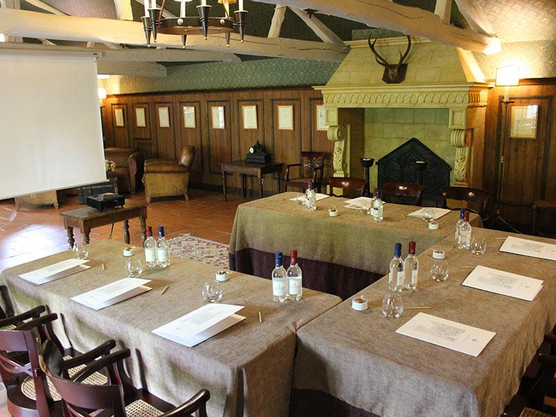 Salle de séminaire LE VIEUX LOGIS hôtel 4 étoiles restaurant gastronomique - Relais & Châteaux Périgord Dordogne