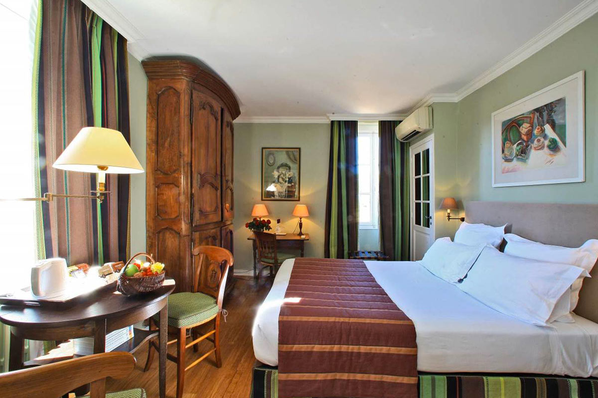 Chambre confort LE VIEUX LOGIS Hôtel 4 étoiles **** Relais & Châteaux en Périgord Dordogne