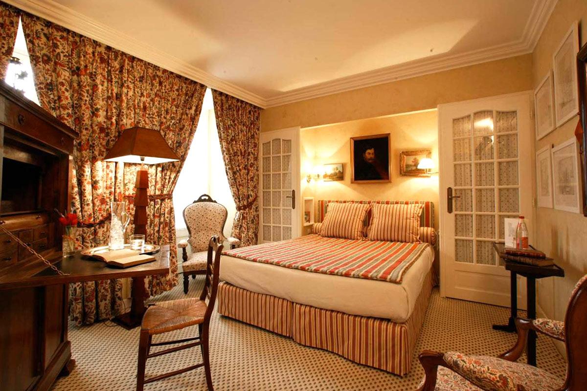 Chambre standard LE VIEUX LOGIS - Hôtel 4 étoiles Relais & Châteaux