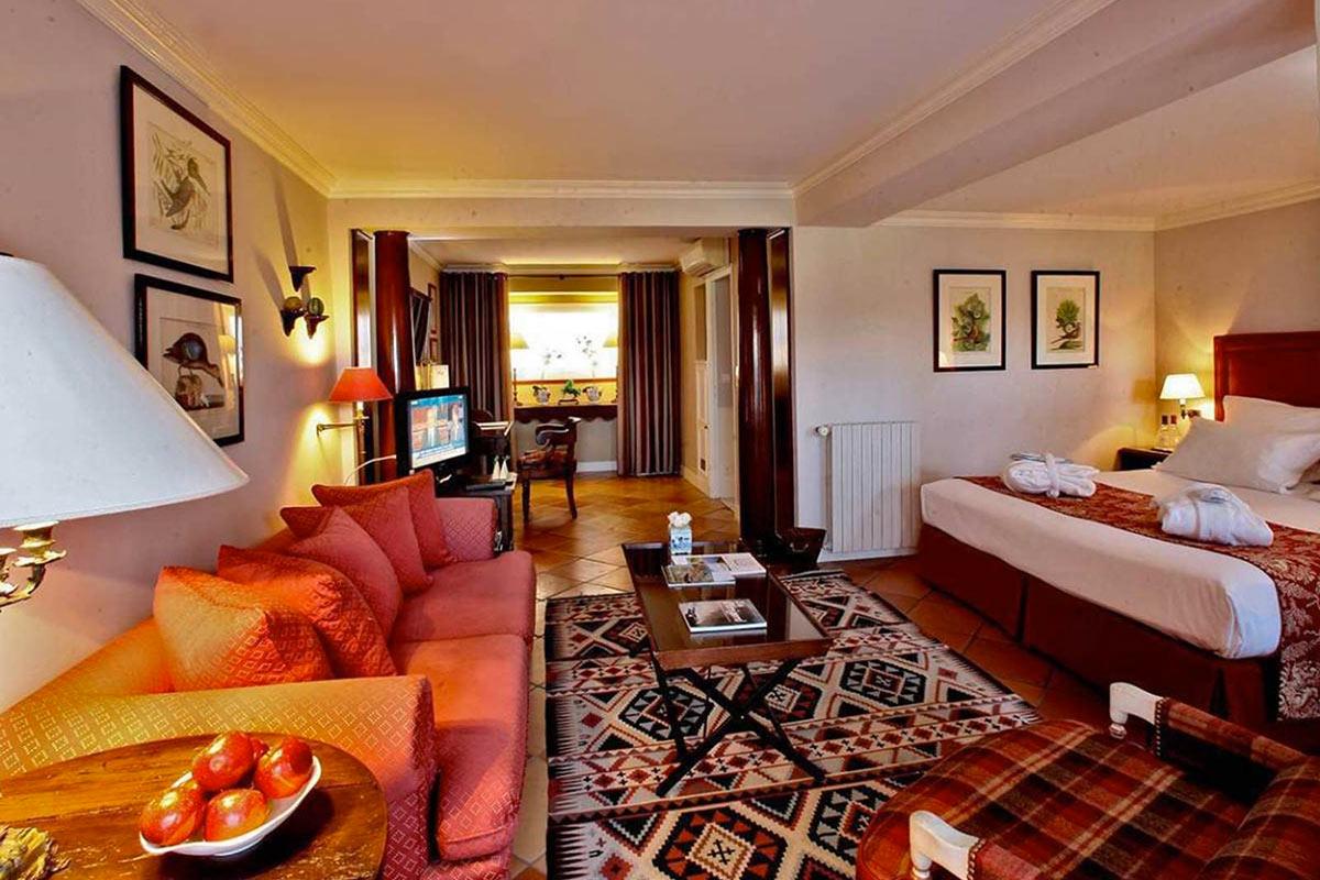 Luxury rooms & Suites LE VIEUX LOGIS Périgord 4 stars hotel, Trémolat