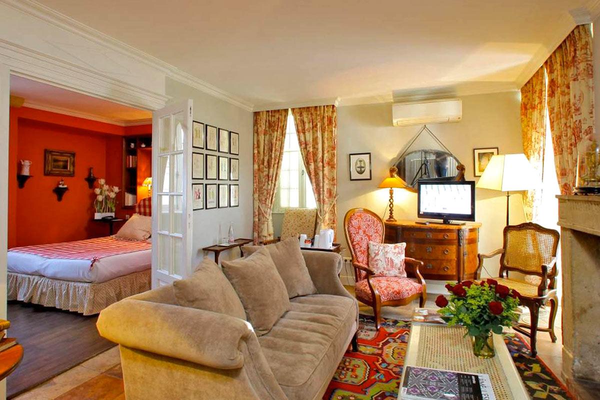 Chambre Junior suite LE VIEUX LOGIS - Hôtel 4 étoiles Relais & Châteaux