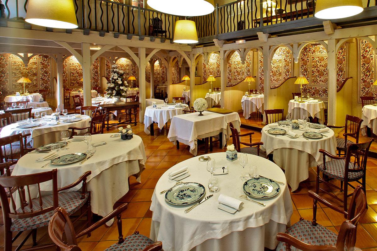 Restaurant Gastronomique LE VIEUX LOGIS 1 étoile Michelin à Trémolat