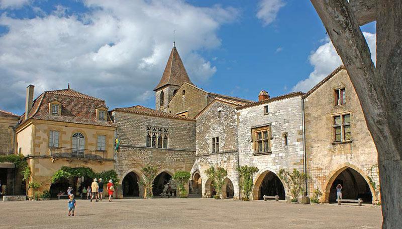Monpazier et les bastides du Périgord - Circuits touristiques du Vieux-Logis Hôtel 4 étoiles Relais & Châteaux